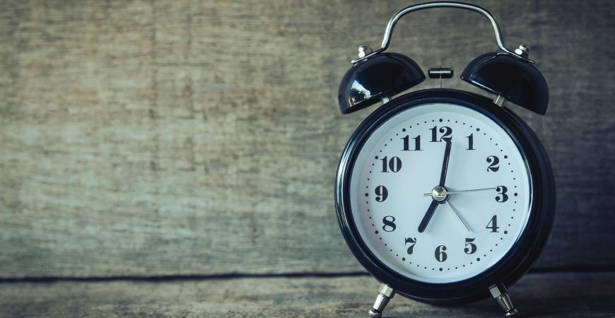 Billede af uret der symboliser åbningsider