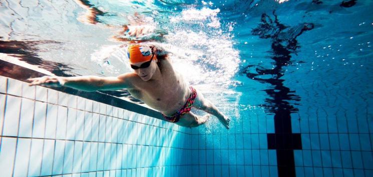 Lær at svømme crawl i Fredericia Idrætscenter